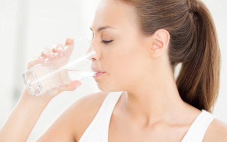 การดื่มน้ำช่วยลดน้ำหนัก