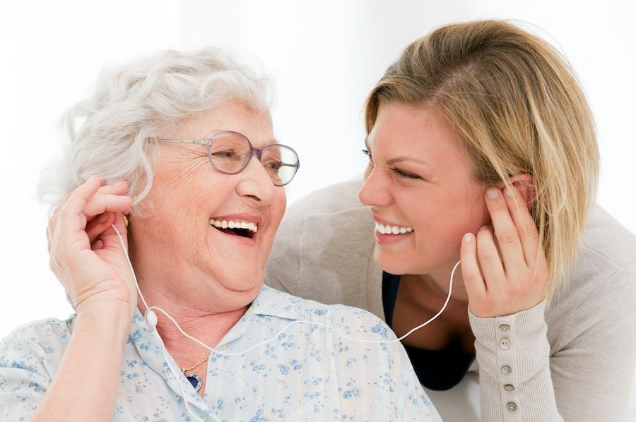 โรคอัลไซเมอร์ ต้องดูแลใส่ใจเป็นพิเศษ