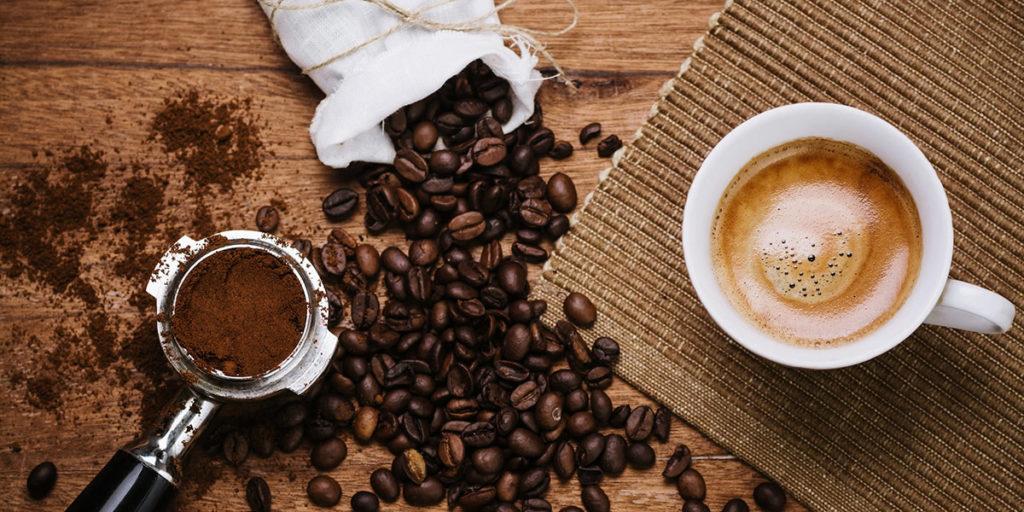 การดื่มกาแฟ  ดื่มกาแฟดำ