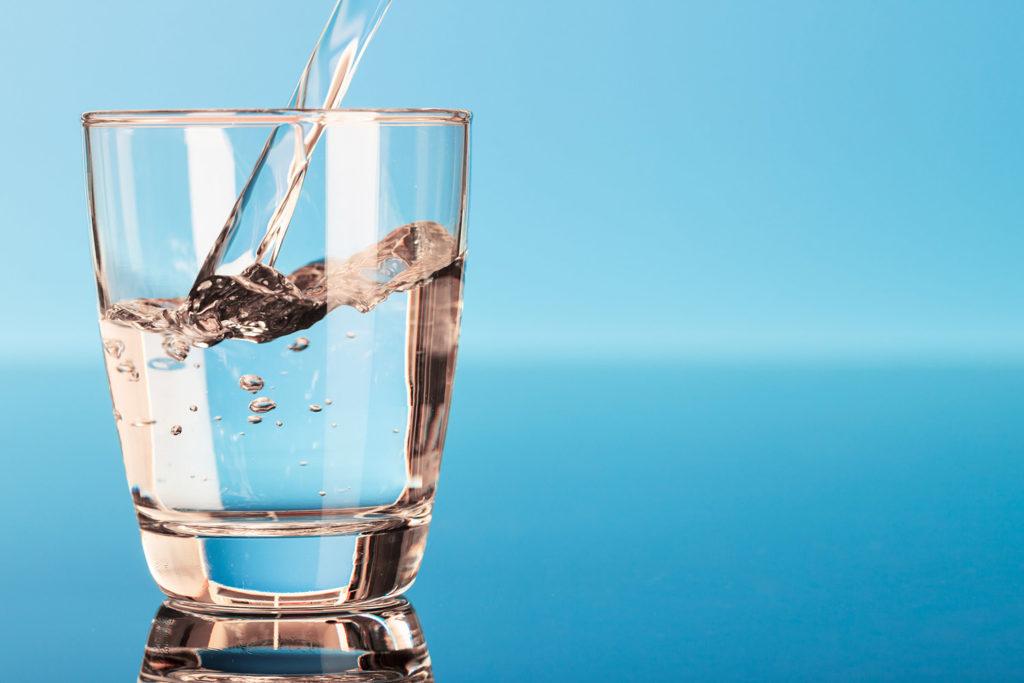 การดื่มน้ำช่วยลดน้ำหนัก-ดื่มน้ำหลังตื่นนอน