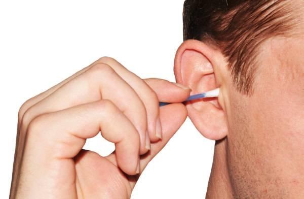 เราควรแคะหูหรือไม่? สิ่งสกปรกต่าง ๆในหู