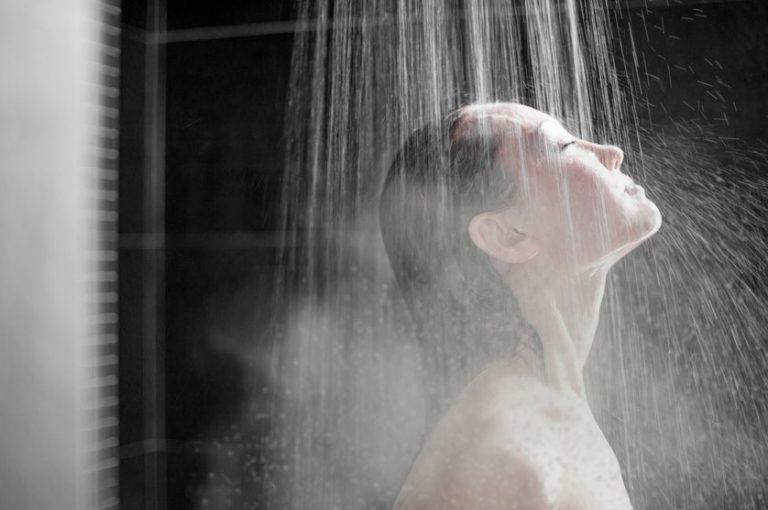 การอาบน้ำอุ่นก่อนนอน