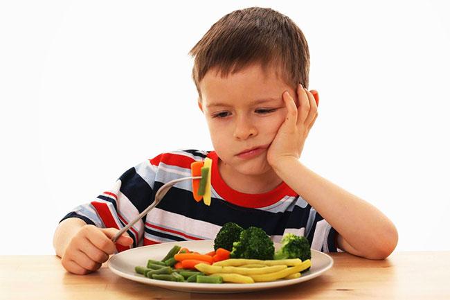 รับมืออย่างไรเมื่อ เด็กไม่ชอบกินผัก
