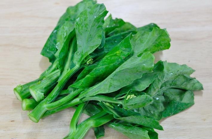 ผักใบเขียว อาหารที่เพิ่มความสูง